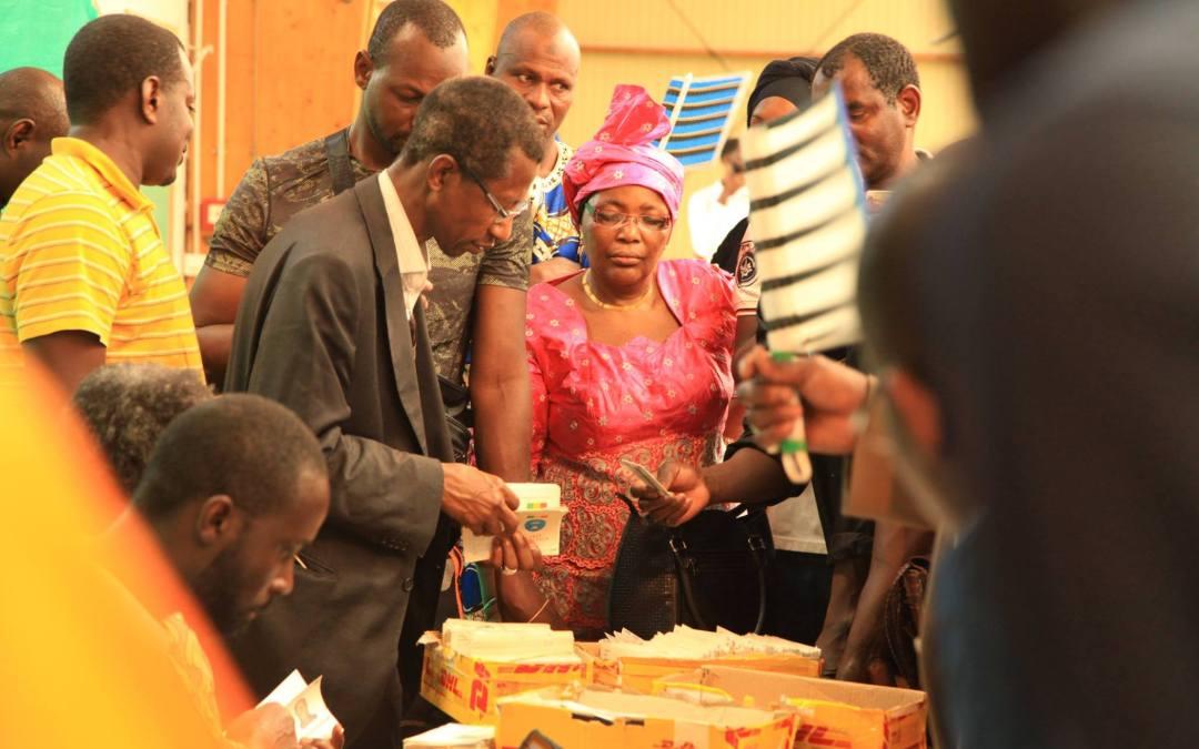 Le centre de vote de Montreuil pour la présidentielle malienne