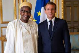 Toumani Djimé DIALLO l'ambassadeur du Mali en France en compagne du président Emmanuel MACRON