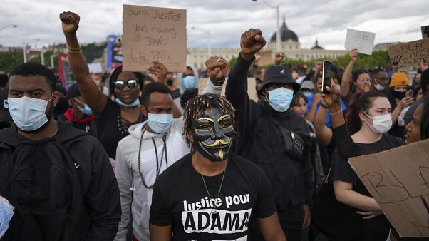La criminalisation des victimes du racisme institutionnel en France