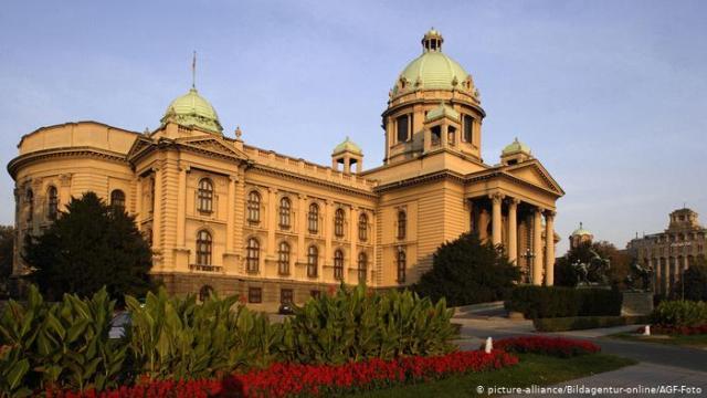 DW: Vuçiç kërkon kompromis me Kosovën, Prishtina këmbëngul për njohje nga Serbia