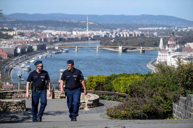 Nga sot shqiptarët e vaksinuar mund të udhëtojnë në Hungari