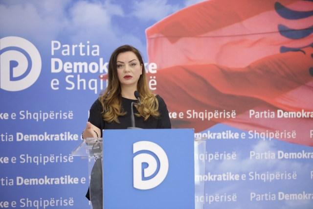 PD: Regjimi Rama-Doshi tjetër goditje lirisë së medias në Shqipëri. Emëron zëdhënësen e PS-së në krye të AMA