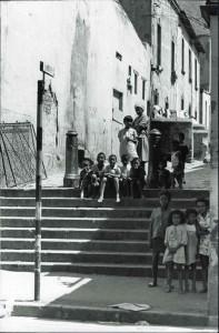 Kinders op die sewe trappies by Hanover Square