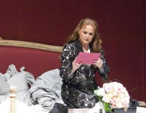 Michelle in 'n produksie van Tristan und Isolde