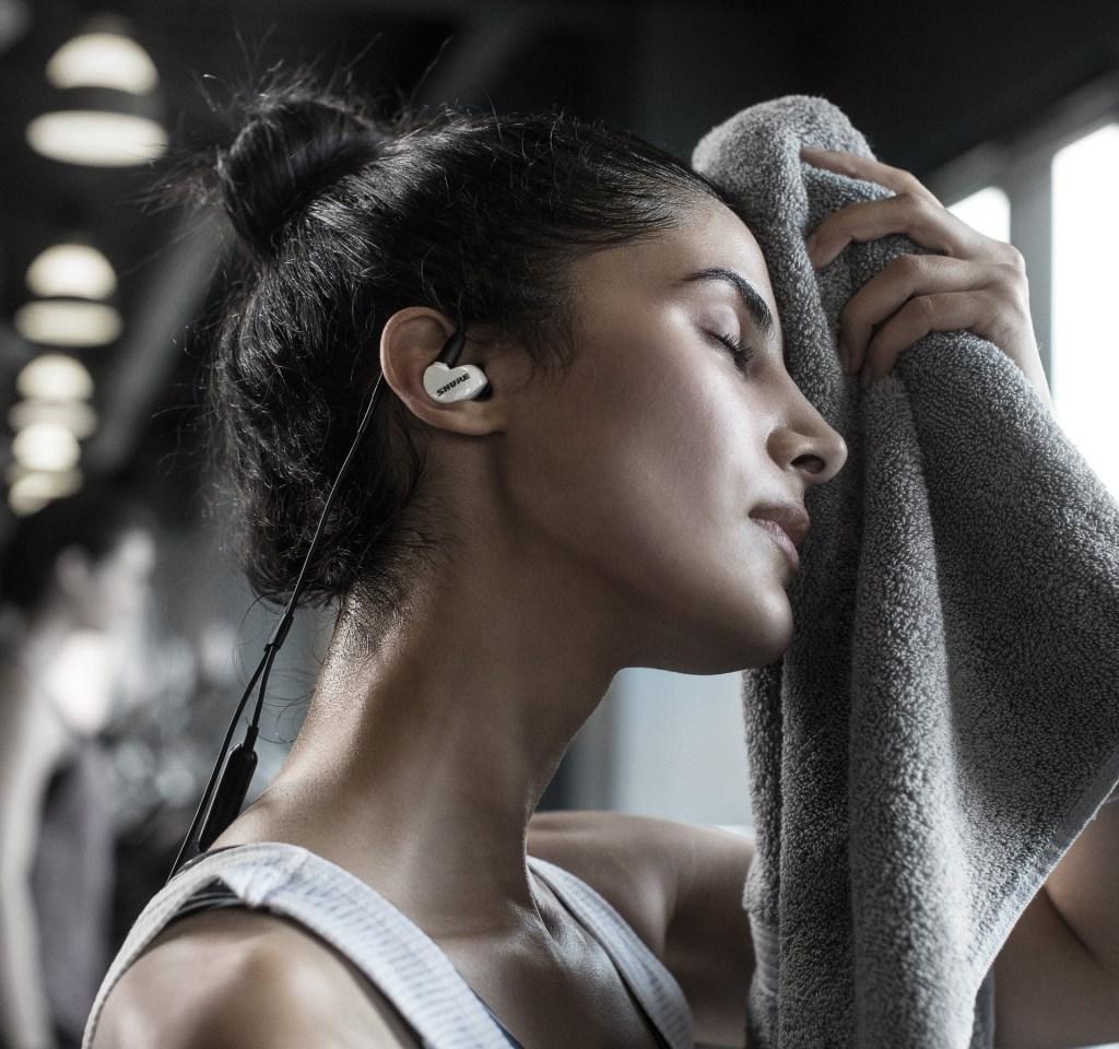 Kan oorfone kieme versprei?