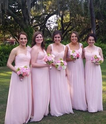 A Pretty in Pink Wedding