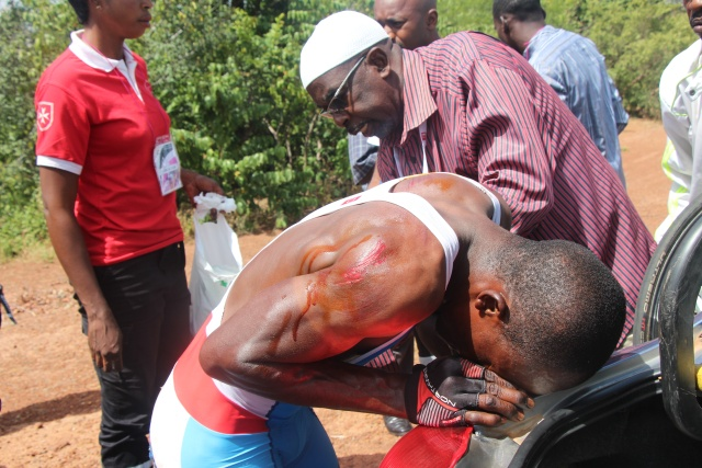 Bumba Fiston BUKUA recevant de soins de la commission médicale
