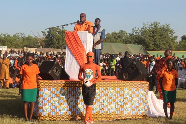 Le candidat Roch M. C. Kaboré demadant les suffrages de la ppopulation du Gulmu