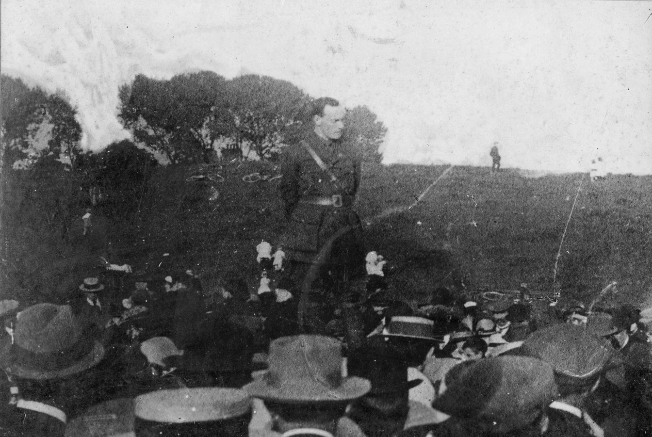 Large anti-conscription meeting in Dublin