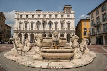 Fontana Contarini e Civica Biblioteca Angelo Mai