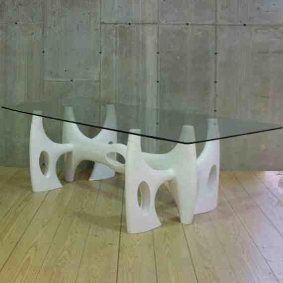 pierced-uni-table