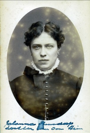 1880, approx Johanna Bensdorp (Moe)