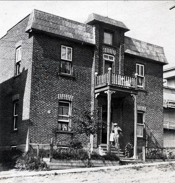 1918, 17 avenue Tamarac - maison paternelle bâtie en 1913 - Shawinigan Falls