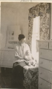 1919, 31 août Henriette de Kinder et sa mère Germaine