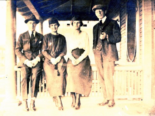 1919, oct. 18 rue Champlain à Shawinigan, Frank Williams, Anna Krapels, Koba Krapels, Johan der Kinderen