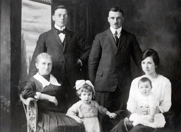 1920, Shawinigan Falls, Moe, Onkle, Jeanne, FDK, Germaine avec Henriette (avant départ de Moe pour Hollande)