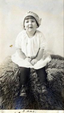 1922, 22 mars Henriette a trois ans
