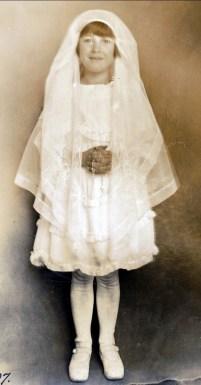 1924, Jeanne