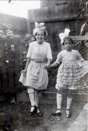 1924 Laurette Bergeron et Laurette Thivierge