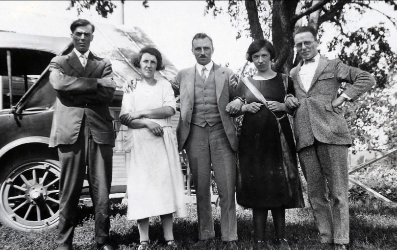 1926, St-Canut - Henri et Bernadette Joly, François et Germaine de Kinder et Jean der Kinderen (Onkel)