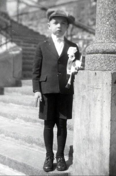 1932, Robert de Kinder