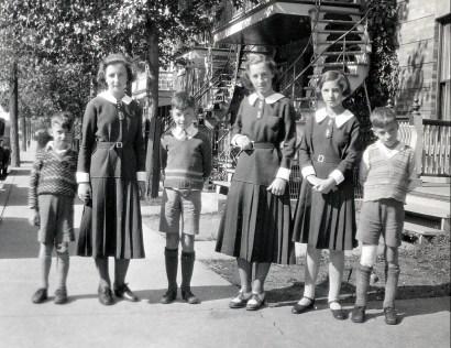 1933, les six écoliers - Maurice, Henriette, Louis, Jeanne, Gaby et Robert