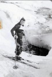 1936, Henriette en ski