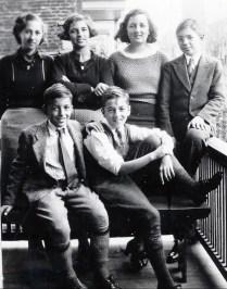 1936, Jeanne, Gaby, Henriette et Louis - à l avant Maurice et Robert de Kinder