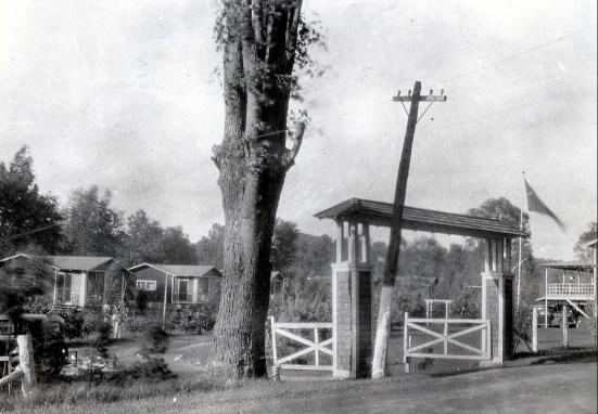 1936, camp Bourbonnière