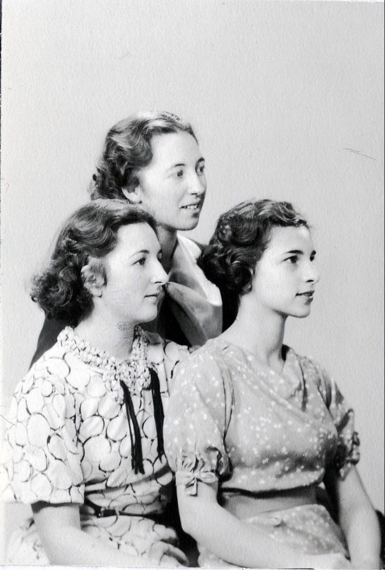 1936, les trois soeurs (2)