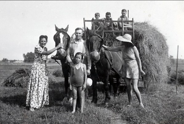1939, Henri Joly, Henriette