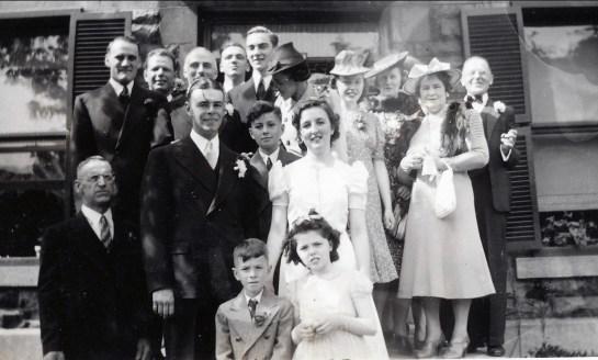 1940, 25 mai - mariage - 1 avec famille d_Albert (2)