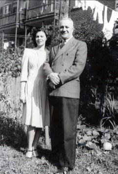 1940, approx Laurette et son père Horace
