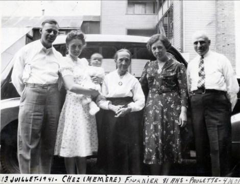 1941, Albert, Henriette avec Paulette, Marie-Jeanne (mémère) Fournier, Germaine et François de Kinder