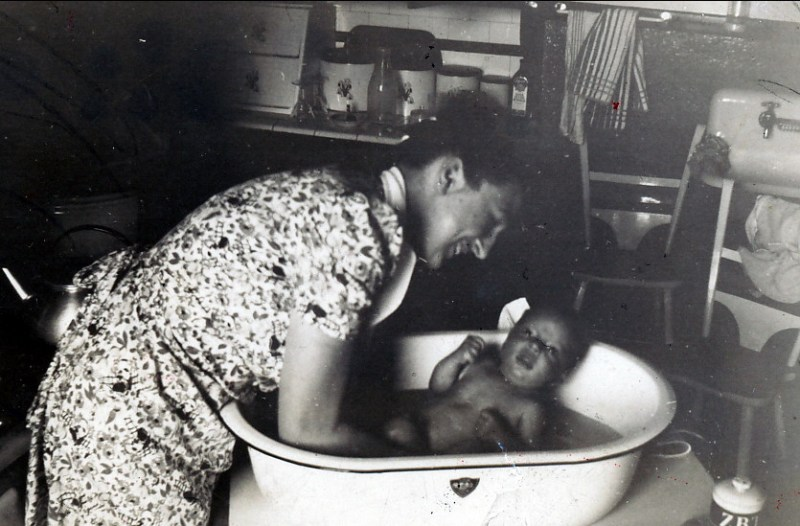 1942, Henriette et Marc rue St-Zotique