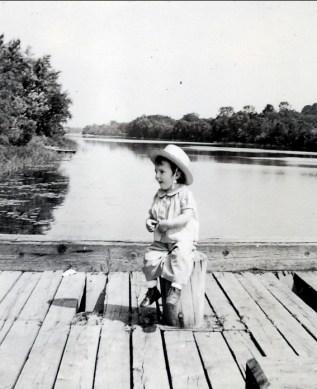 1942, Paulette sur le quai