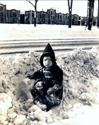 1943, Paulette face au parc Molson
