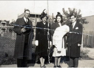 1944, Albert et Henriette Thivierge, Laurette avec Irène et Johnny Sofio