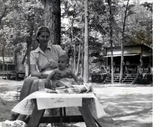 1945, approx Laurette et Jim