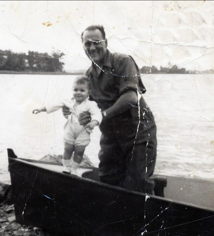 1945, approx Ti-lou Bergeron et Jim ou Hélèna Sofio
