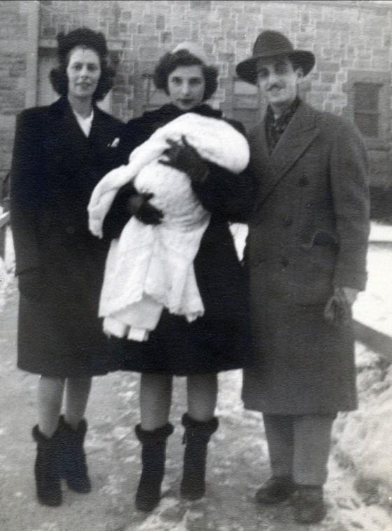 1946 approx Laurette Sofio, Gabrielle Bessette, Johnny Sofio