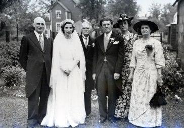 1947, François de Kinder , Gaby de Kinder, Jean-Baptiste Bessette, Gérard Bessette, Germaine, Victoria Bessette