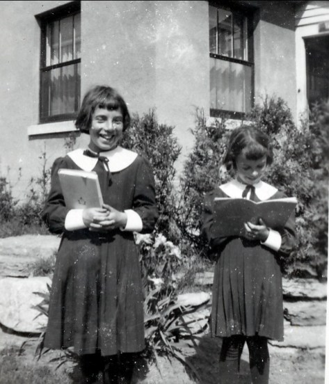 1948, Paulette et Irène