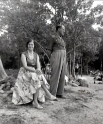 1952 approx Laurette Sofio et Ti-Lou (Lauréat Bergeron)