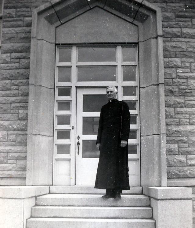 1955, approx Curé René Bachand