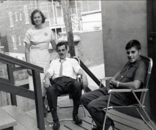 1955 approx Laurette, Johnny et Jim Sofio - rue Gounod