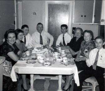 1958, Henriette, Anna et Johnny Hughes, Albert, Marc, Aunt Cecilia, Myrtle et Bobby