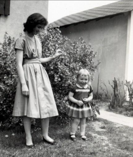 1958, Irène et Claire Thivierge