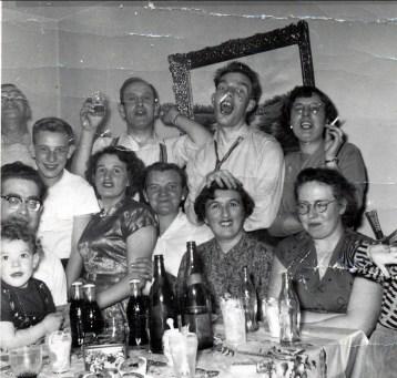 1958 approx party hollandais avec Henriette et Jeanette