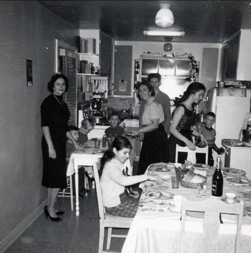 1959, fête avec famille Sofio